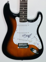 George Strait Signed Full-Size Electric Guitar (PSA COA) at PristineAuction.com