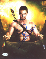 """Stephen Amell Signed """"Arrow"""" 8x10 Photo (Beckett COA) at PristineAuction.com"""