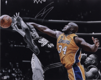 Shaquille O'Neal Signed Lakers 16x20 Photo (Beckett Hologram) at PristineAuction.com
