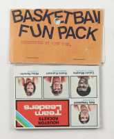 1976 Topps Football Card Fun Pack with (10) Cards at PristineAuction.com