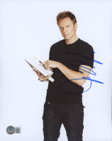 Joel McHale Signed 8x10 Photo (Beckett COA) at PristineAuction.com