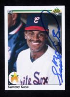 Sammy Sosa Signed 1990 Upper Deck #17 RC (Beckett COA) at PristineAuction.com