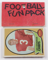 1970 Topps Football Card Fun Pack with (10) Cards at PristineAuction.com