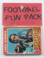 1971 Topps Football Card Fun Pack with (10) Cards at PristineAuction.com