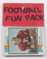 1973 Topps Football Card Fun Pack with (10) Cards at PristineAuction.com