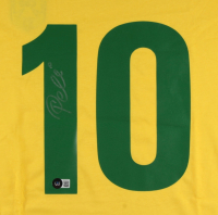 Pele Signed Jersey (Beckett Hologram) at PristineAuction.com