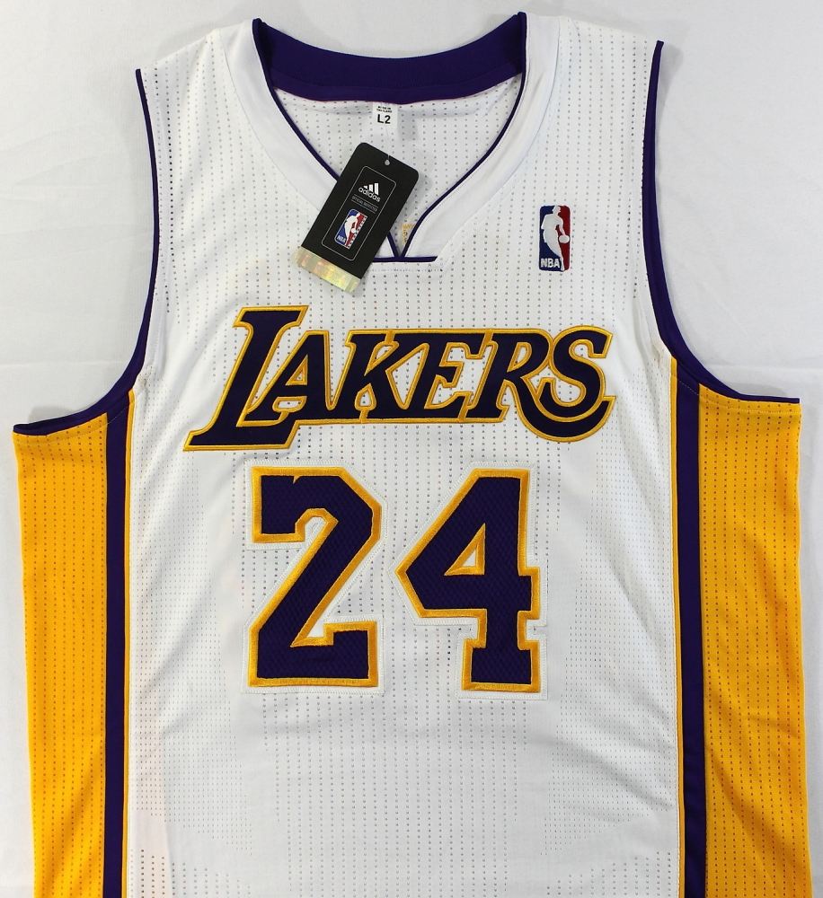 more photos 85389 4a537 kobe bryant jersey auction