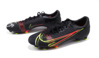 Christian Pulisic Signed Pair Of (2) Nike Soccer Cleats (JSA COA) at PristineAuction.com