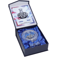 Steven Stamkos Signed Lightning 2021 Stanley Cup Champions Crystal Hockey Puck With Game Used Ice (Fanatics Hologram) at PristineAuction.com