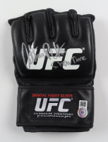 """Anthony Pettis Signed UFC Glove Inscribed """"Showtime"""" (Beckett COA) at PristineAuction.com"""