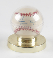 Willie Mays Signed ONL Baseball with Display Case (JSA LOA) at PristineAuction.com