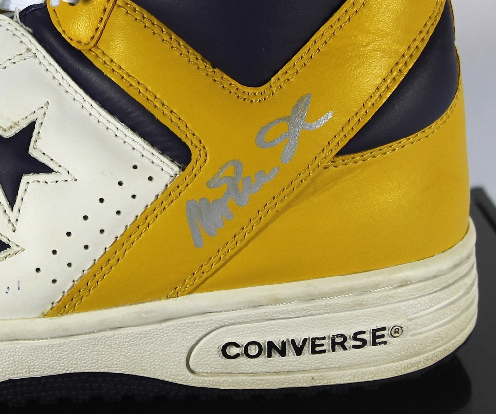 23c1eac07657 Magic Johnson Signed Vintage Converse Weapon Basketball Shoe with Display  Case (PSA COA) at