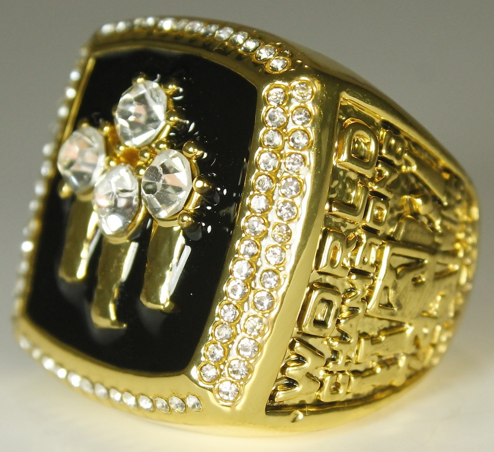 10513ae07c4ef9 Michael Jordan Chicago Bulls High Quality Replica 1996 NBA World Champions  Ring at PristineAuction.com