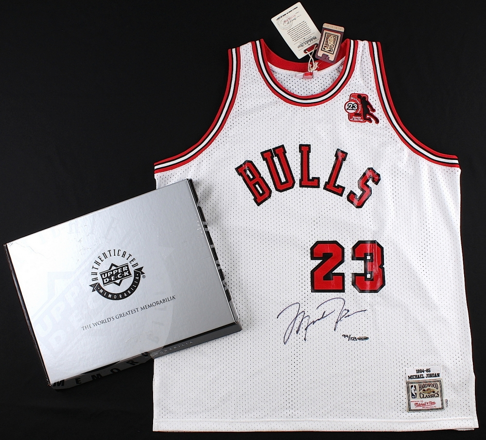 Michael Jordan Signed LE Authentic Mitchell   Ness 1984-85 Bulls Rookie  Jersey with ROY 590a5563d