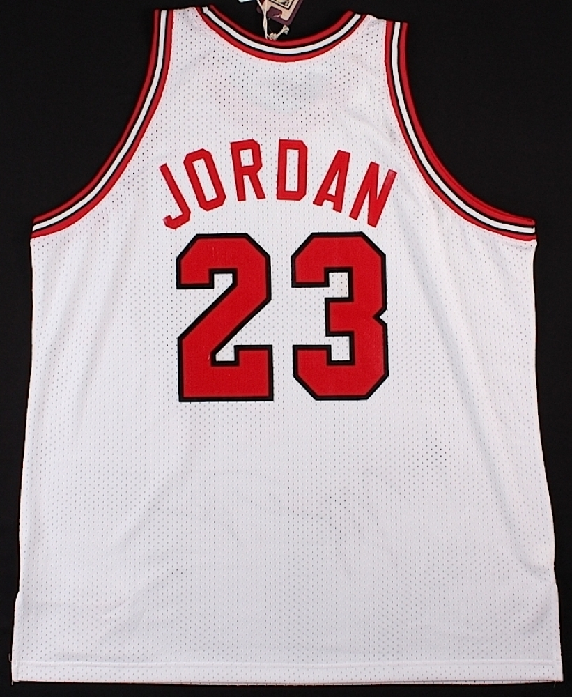 72864f802ea Michael Jordan Signed LE Authentic Mitchell & Ness 1984-85 Bulls Rookie  Jersey with ROY