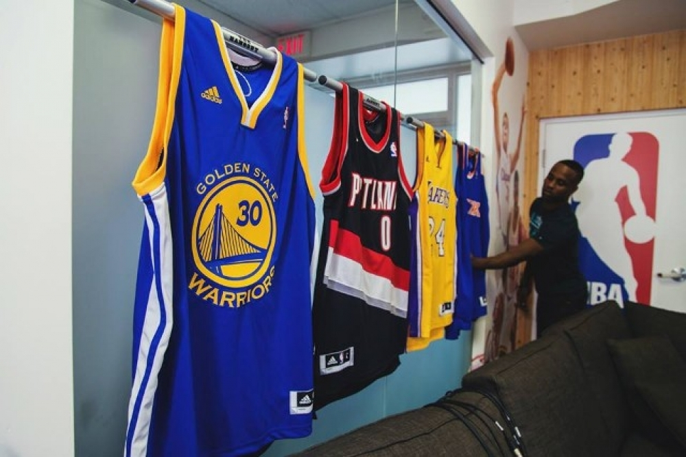 Quot The Jersey Mount Quot Wall Jersey Display By Sport Displays