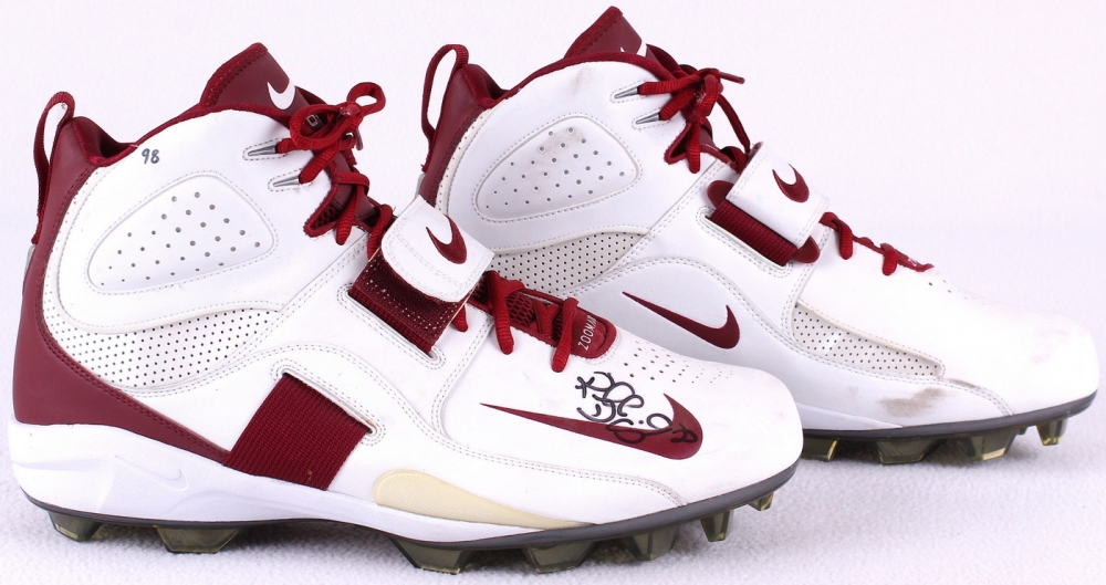 ... b21aa 7726c Russell Davis Signed Game-Used Arizona Cardinals Nike Zoom  Air Football Shoes ... 1252aaf3a2b0