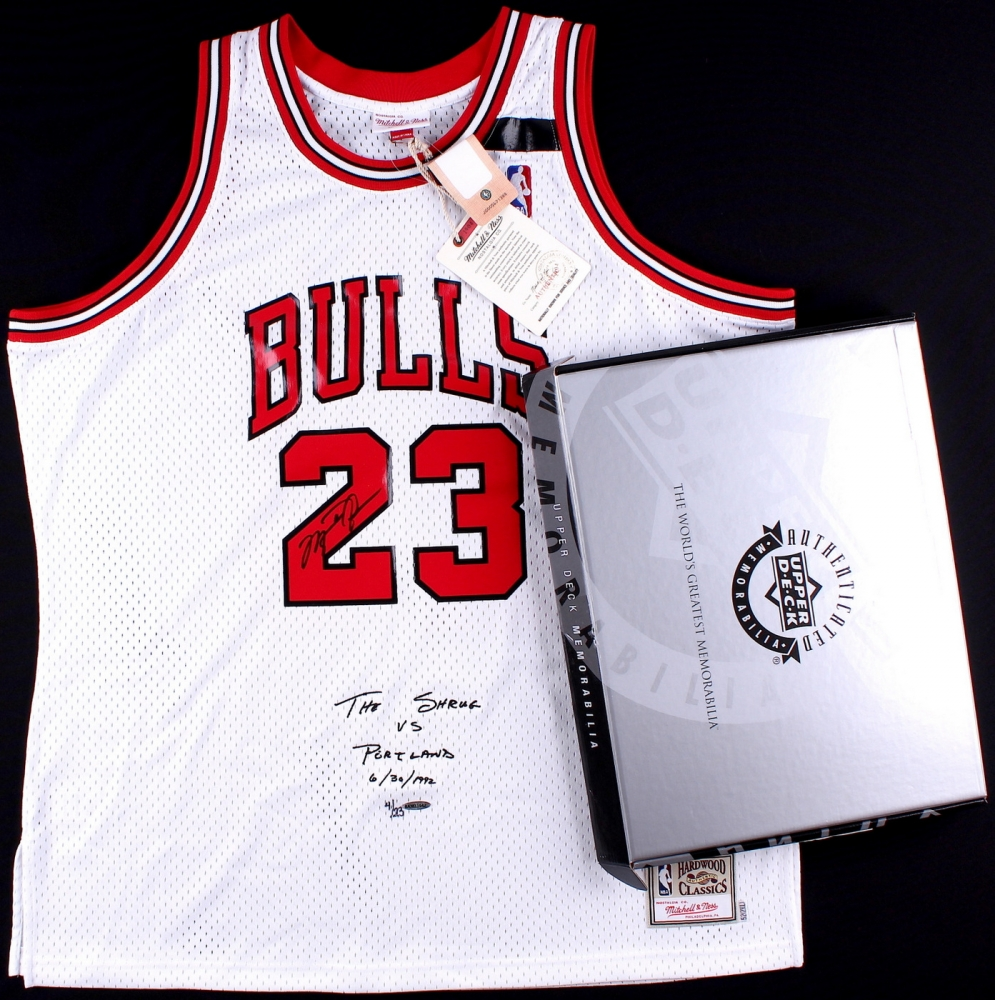 7580810e543 Michael Jordan Signed LE