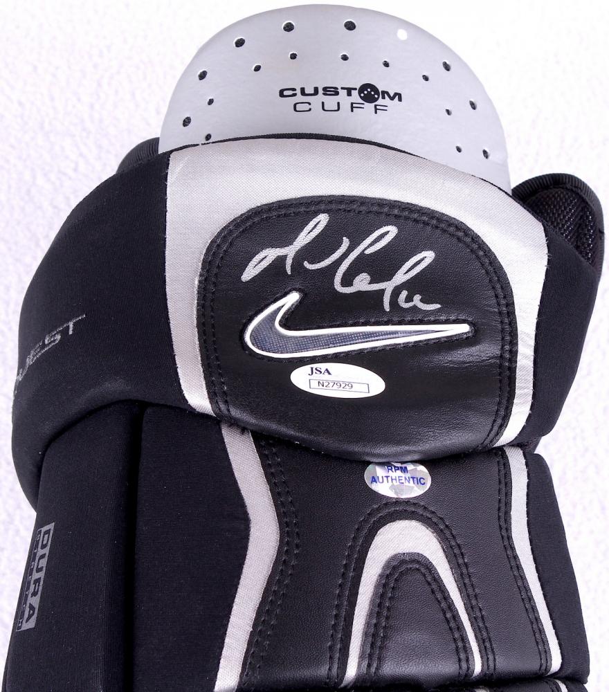 Nike Hockey Gloves: Online Sports Memorabilia Auction