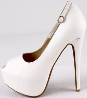"Ed O'Neill Signed White High Heel Shoe Inscribed ""Al Bundy"" (Schwartz COA) at PristineAuction.com"