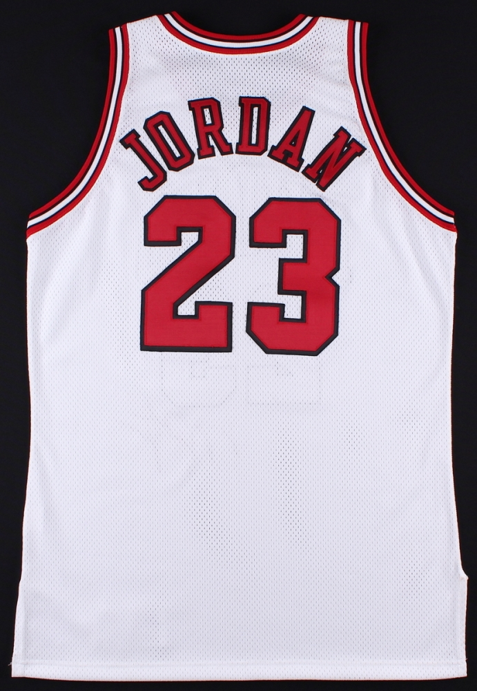 8e92383df72e7f Michael Jordan 1992-93 Chicago Bulls Game-Used   Signed Jersey (Grey Flannel
