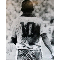 Pele Signed Brazil 16x20 Photo (PSA Hologram)