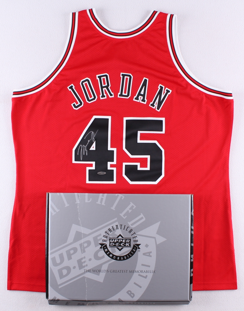 93066926 Michael Jordan Signed Bulls 1994-95 Mitchell & Ness Authentic On-Court  Jersey (