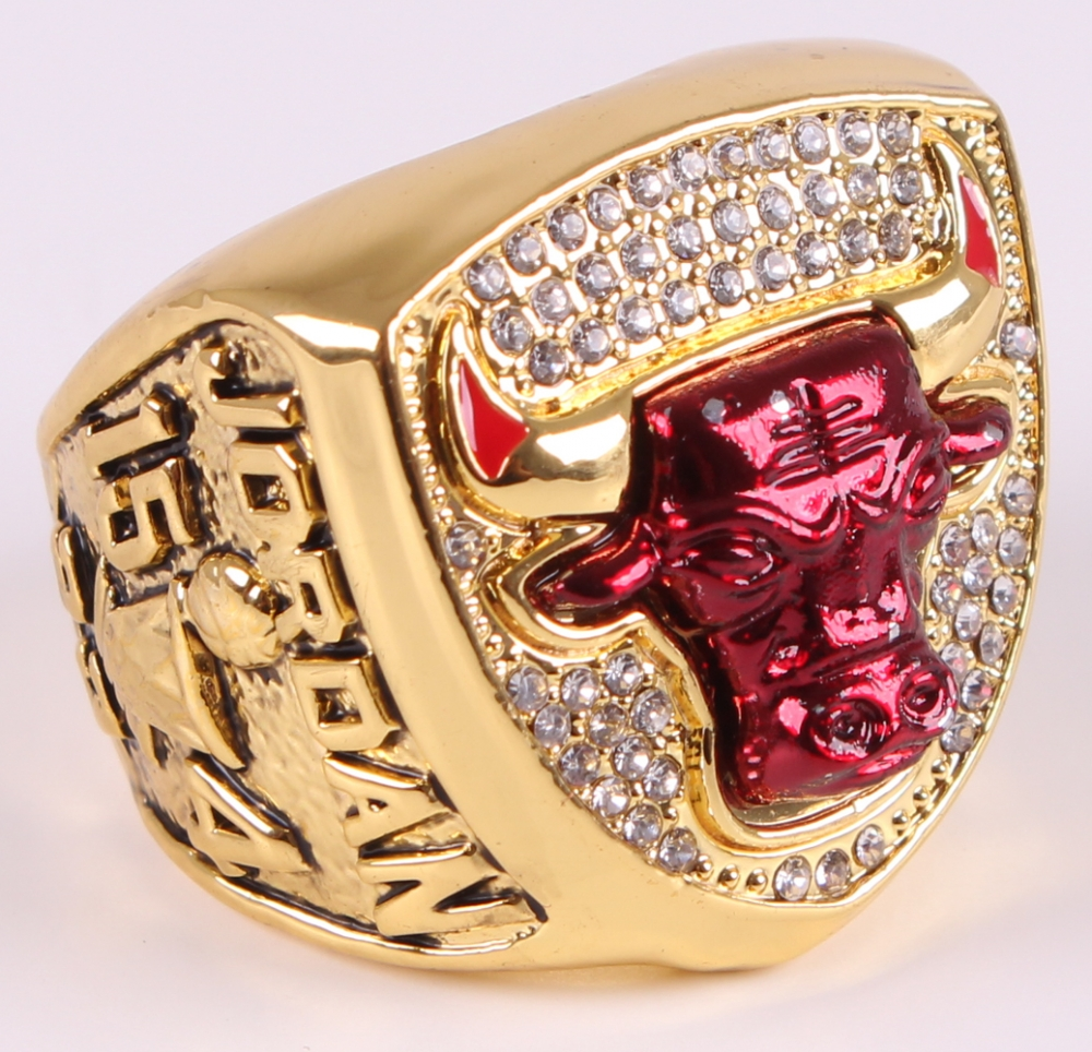 ada5f999404322 Michael Jordan Chicago Bulls High Quality Replica 1993 NBA World Champions  Ring at PristineAuction.com