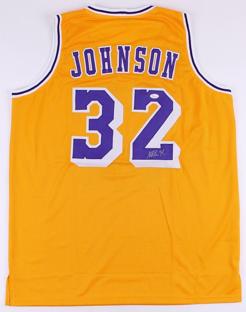 Online sports memorabilia auction pristine auction for Johnson s farm nj