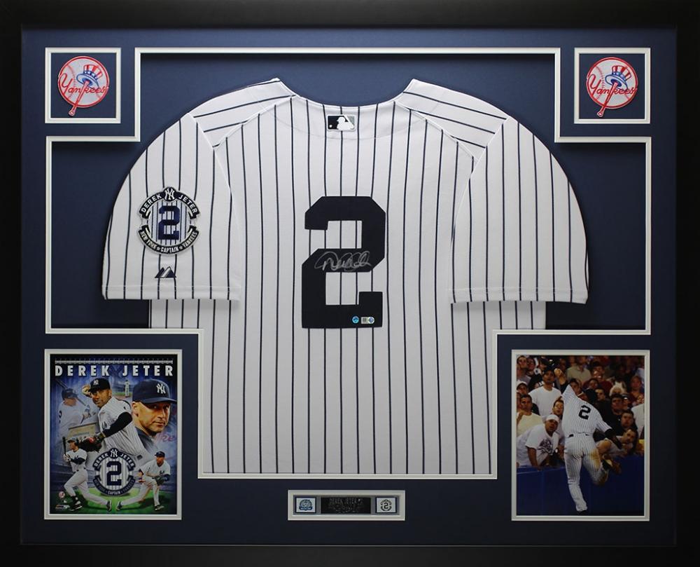 05d48af5edb Derek Jeter Signed Yankees 35