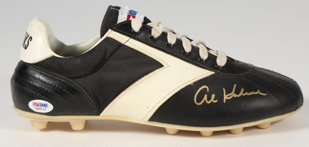 brooks baseball shoes