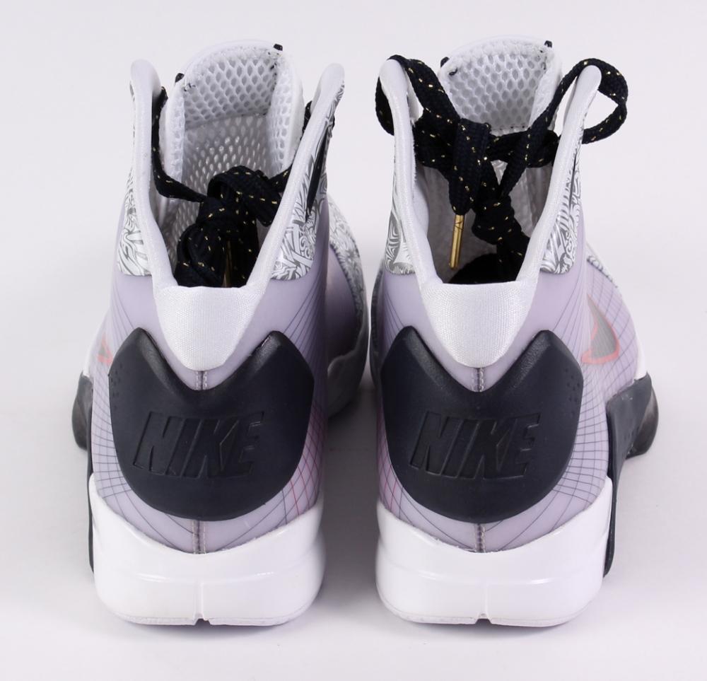 latest nike training shoes kobe bryant first nike shoe