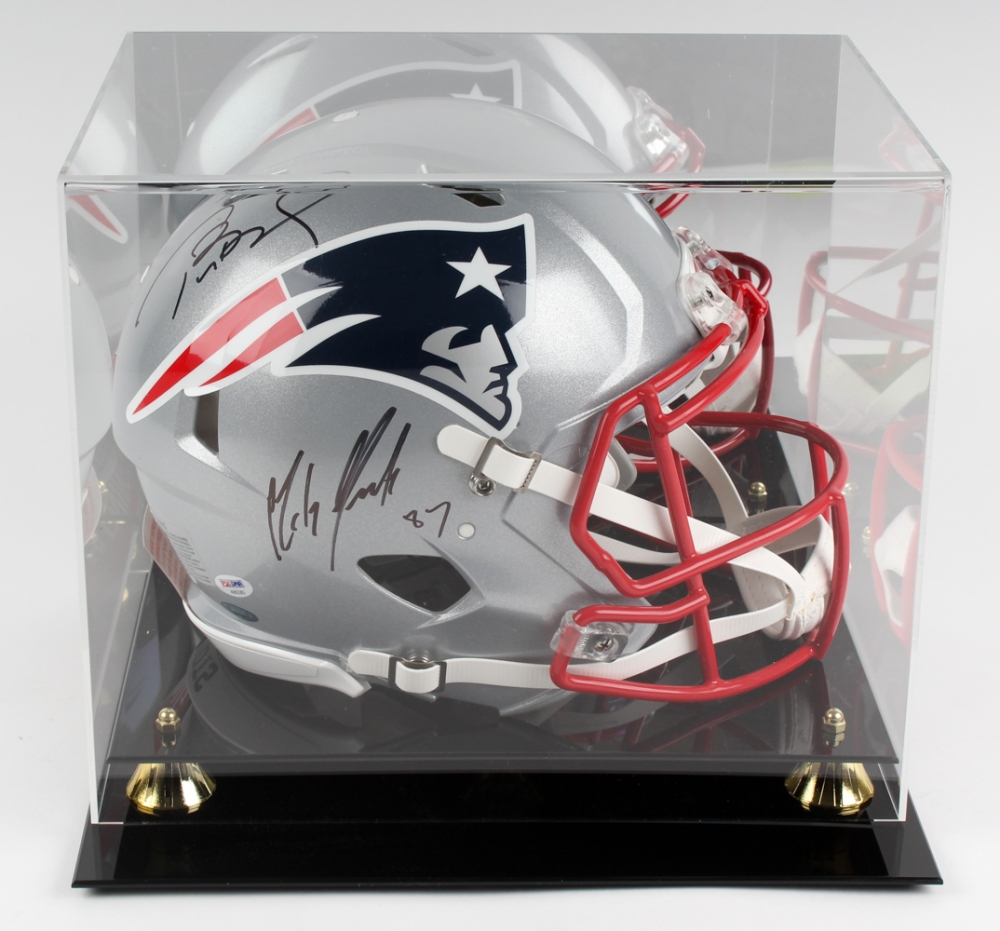46cfd0331e0 Tom Brady   Rob Gronkowski Signed Patriots Full-Size Speed Helmet with  Display Case (