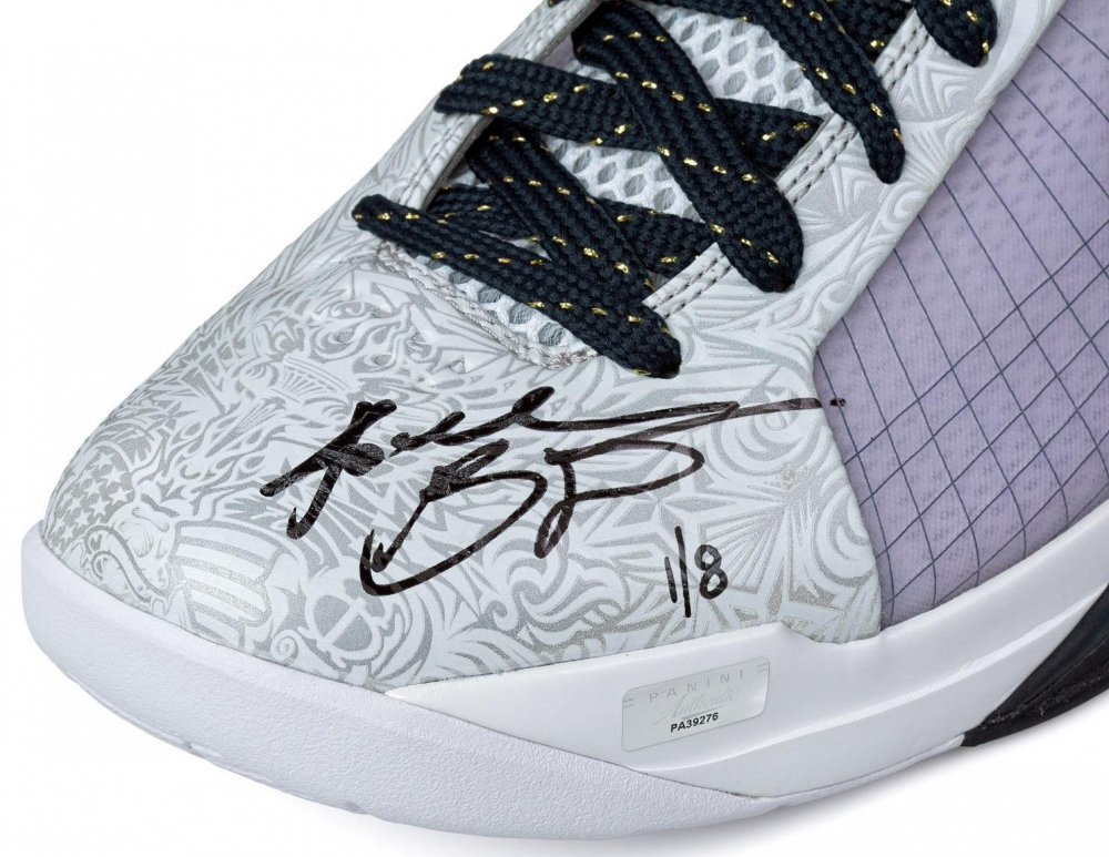 1439f2e48513 Kobe Bryant Signed Limited Edition Nike Hyperdunk Olympic Shoes Inscribed