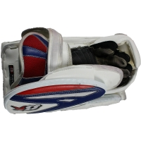 Antti Raanta Rangers Game-Used Ice Hockey Glove (Steiner COA)