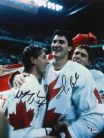 Wayne Gretzky & Mario Lemieux Signed Team Canada 11x14 Photo (Beckett LOA)