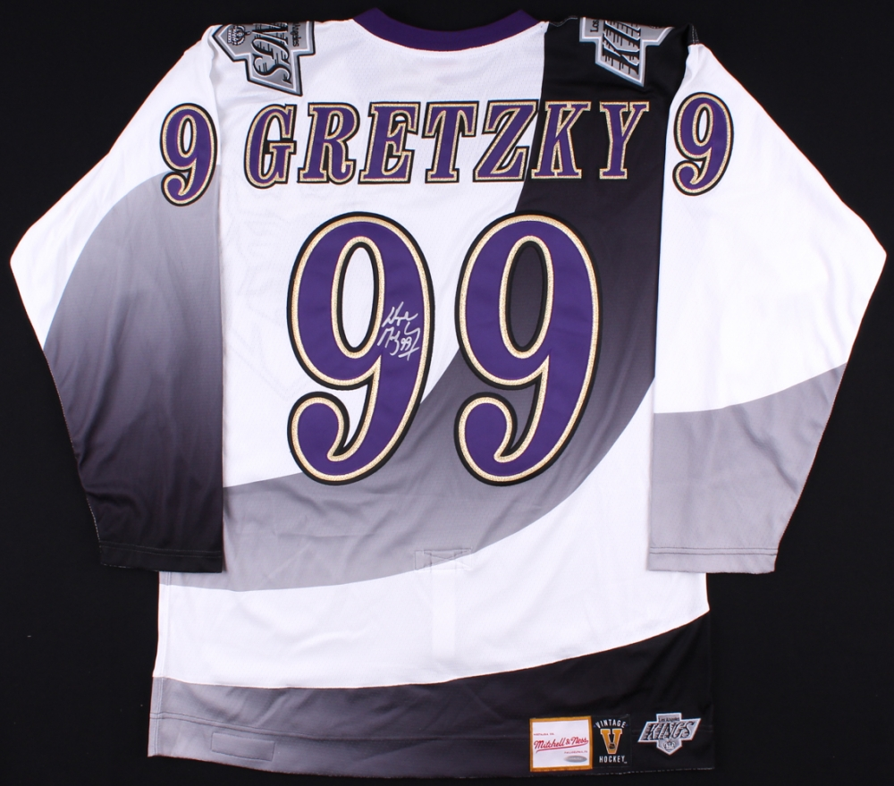 966dea397a9 ... Wayne Gretzky Signed Kings Authentic 1995-96 Mitchell Ness Jersey (UDA  COA) ...