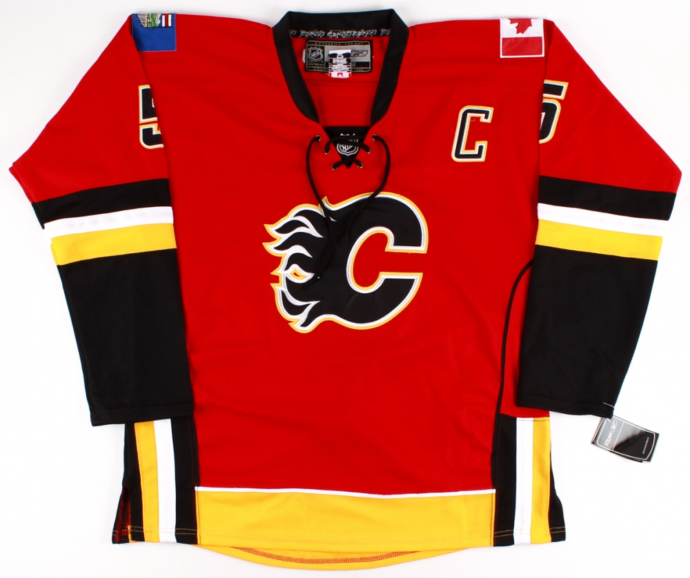 Mark Giordano Signed Flames Captains Jersey (PSA COA) at PristineAuction.com 4f5134ba3