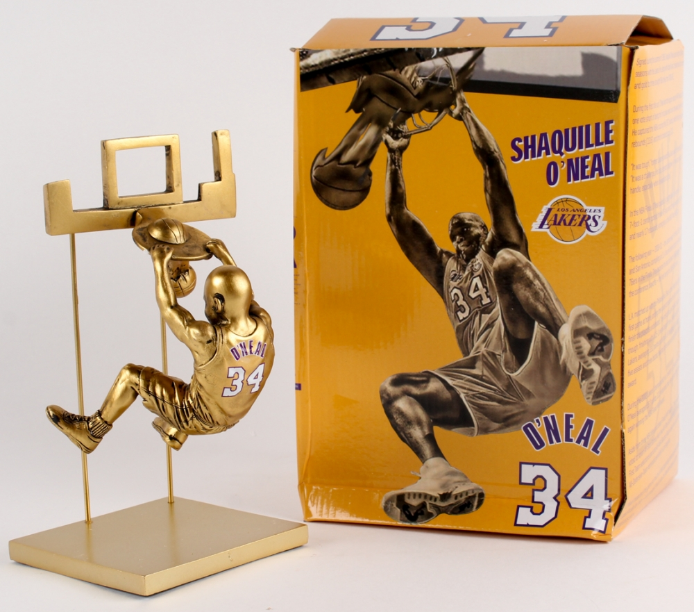 Shaquille O'Neal statue at Staples Center officially ... |Shaquille Oneal Statue