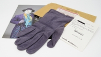 "Jack Nicholson Signed & Screen Worn Glove as ""The Joker"" from Batman (1989) (Assistant Provenance LOA & PSA LOA) at PristineAuction.com"