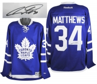 Auston Matthews Signed Maple Leafs Reebok Jersey (Fanatics Hologram)