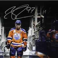 "Connor McDavid Signed Edmonton Oilers ""Tunnel Vision"" 16x20 Photo (UDA COA) at PristineAuction.com"