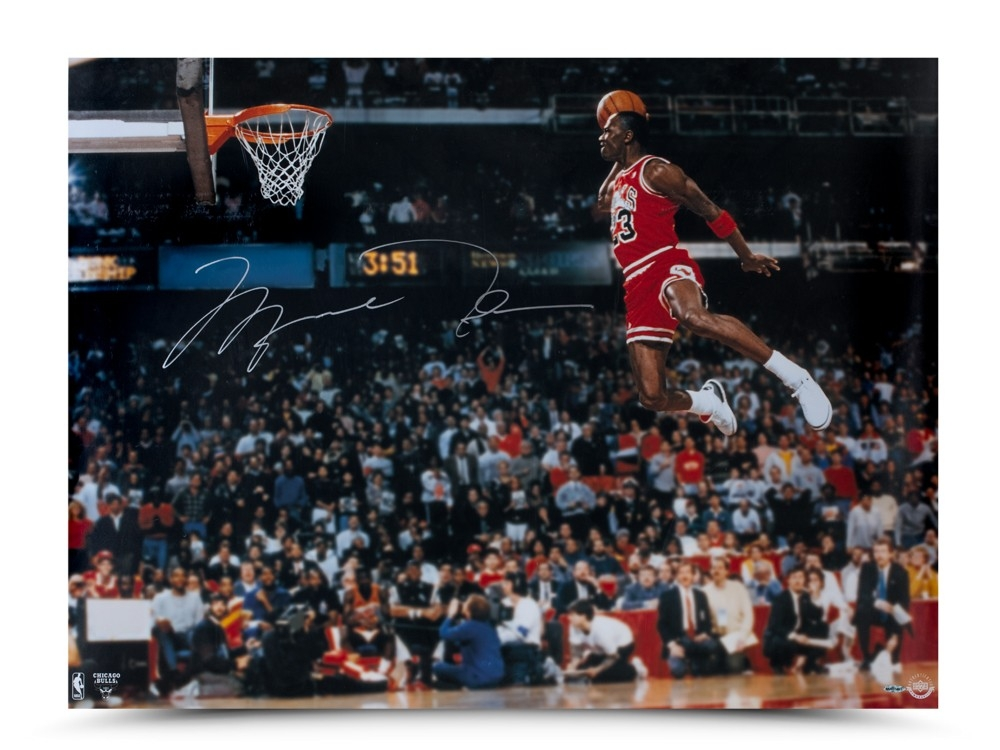 Michael Jordan Signed Chicago Bulls 30x40 Photo (UDA) at PristineAuction.com