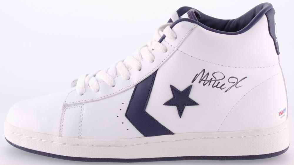 Magic Johnson Signed Converse Basketball Shoe (PSA COA) at  PristineAuction.com 1c4e7f82a