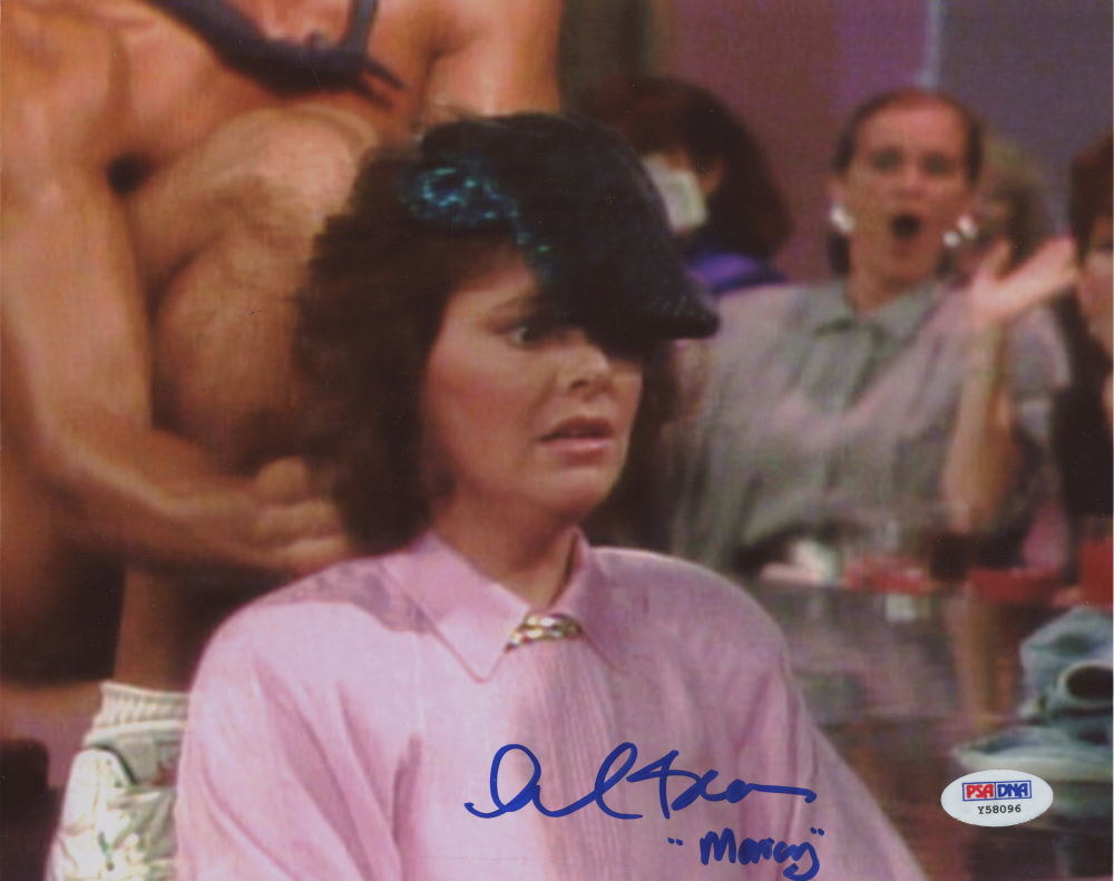 """Amanda Bearse Pictures amanda bearse signed """"married with children"""" 8x10 photo"""