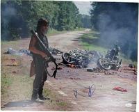 "Norman Reedus Signed ""The Walking Dead"" 16x20 Photo (JSA Hologram)"