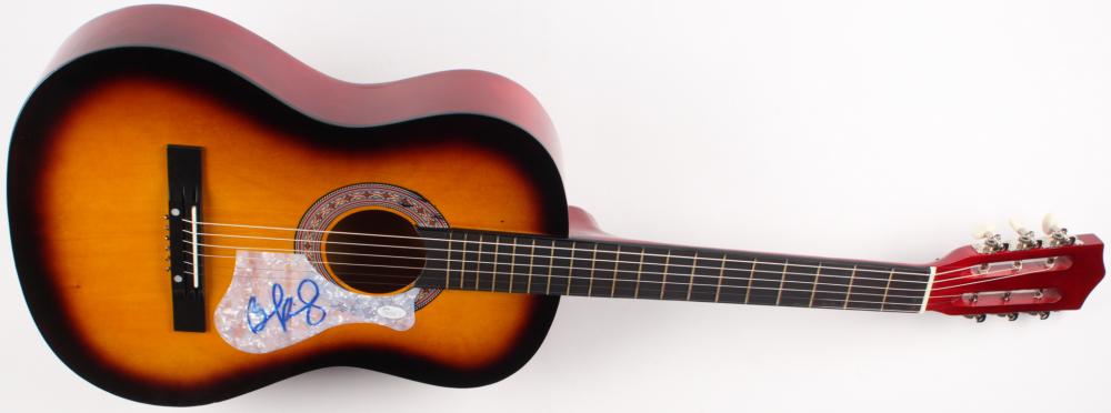 brad paisley signed full size acoustic guitar jsa coa pristine auction. Black Bedroom Furniture Sets. Home Design Ideas