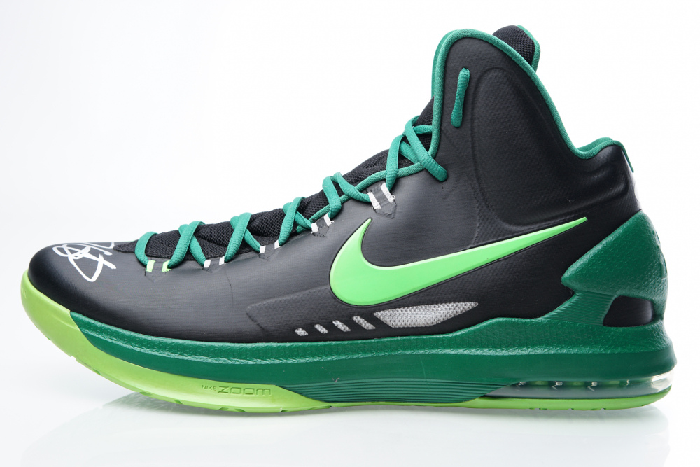 476b52d8f1df Kevin Durant Signed Player Model Nike Basketball Shoe (JSA COA) at  PristineAuction.com
