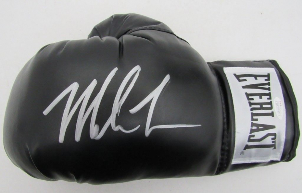 db5412b8c9a Mike Tyson Signed Everlast Boxing Glove (JSA COA) at PristineAuction.com